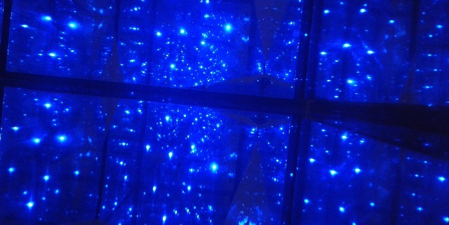 Building a Low Cost, Good Quality, and Safety Infinity Mirror Room for Suroboyo Night Carnival Amusement Park