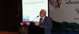 "Pemaparan dari Prof.Dr.Ermaya Suradinata ""Strategi Membangun Papua"""